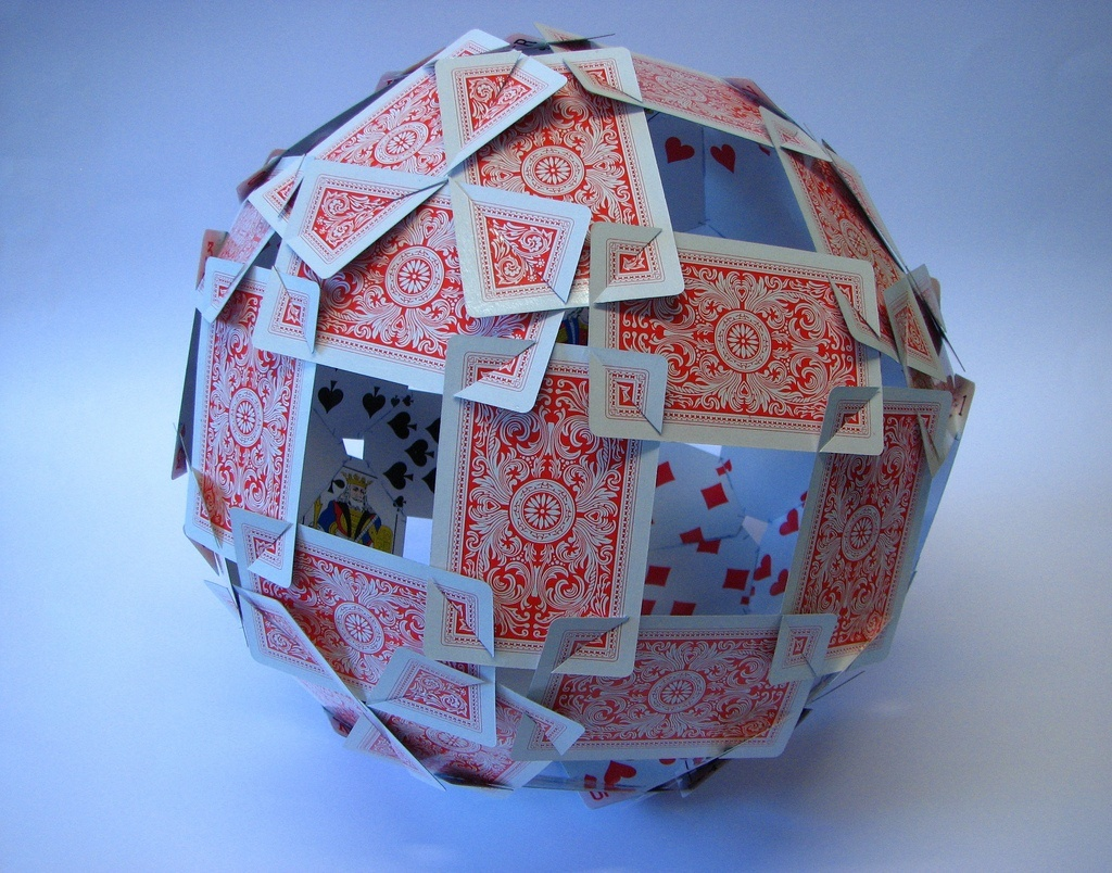 Following-the-edges-of-the-rhombicosidodecahedron