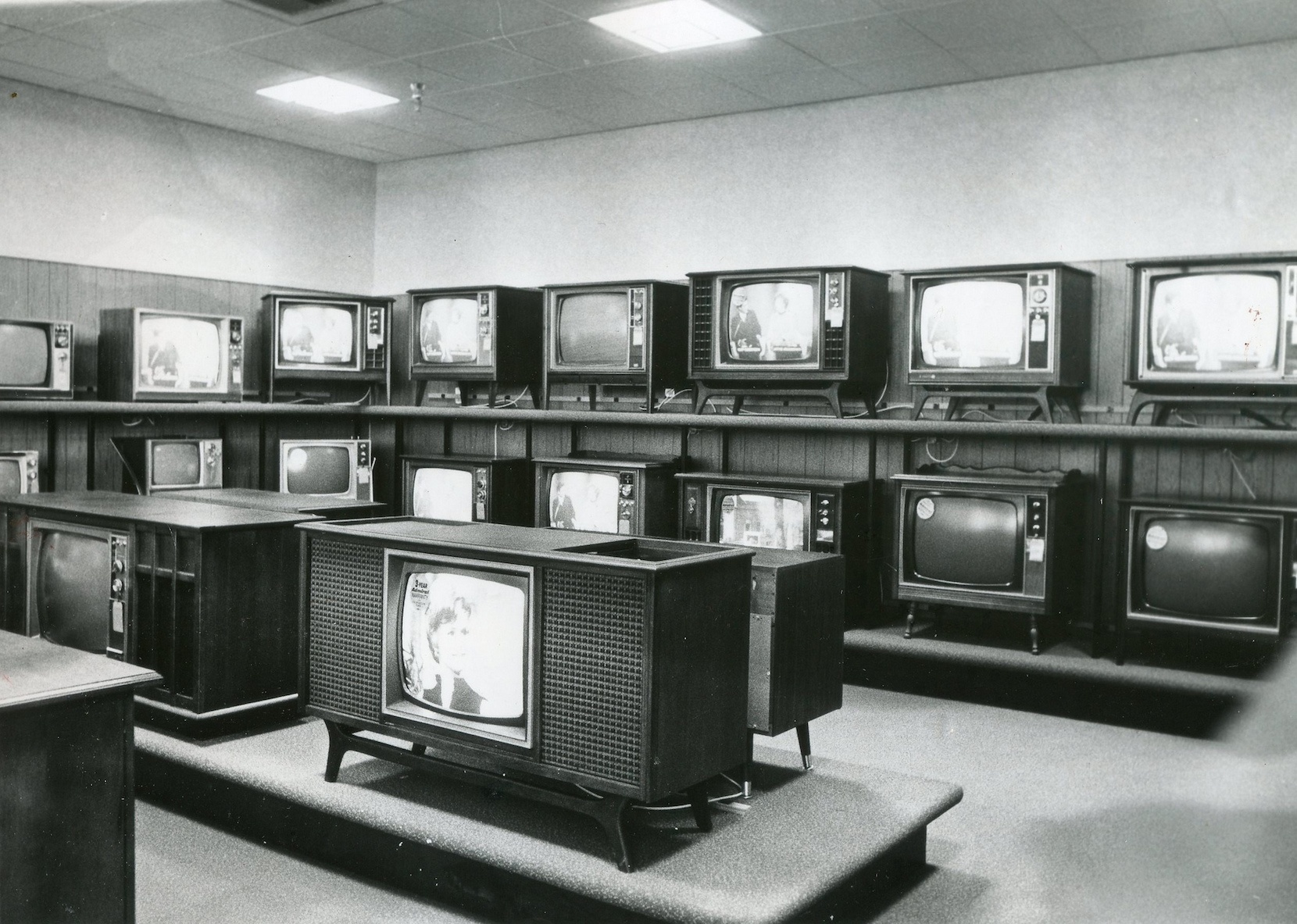 Many-BW-TVs