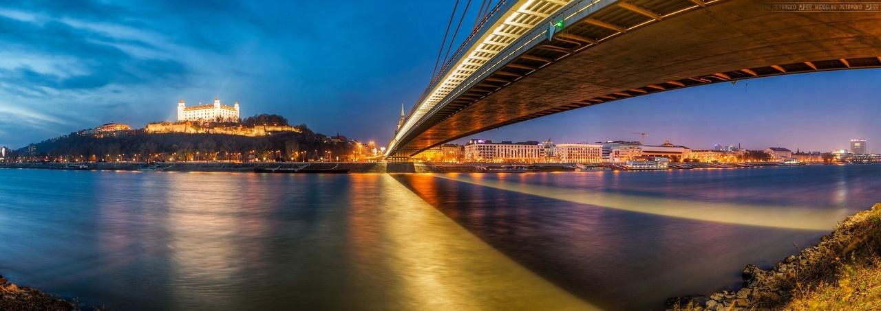 The-bridge-shadow